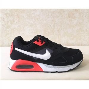 Nike Air Max IVO Lifestyle & Sports Black Crimson NWT
